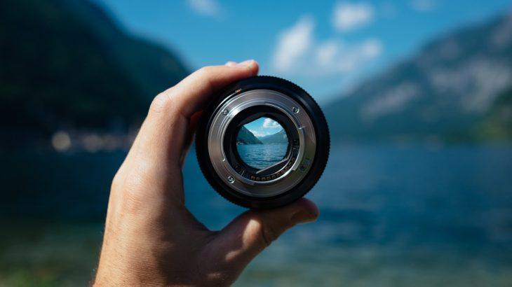 カメラレンズのF値とは何か。「一段絞る」ってどういうこと?